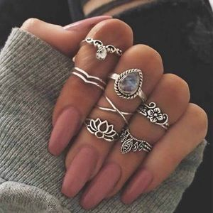 Jewelry - Lotus Midi Ring Set